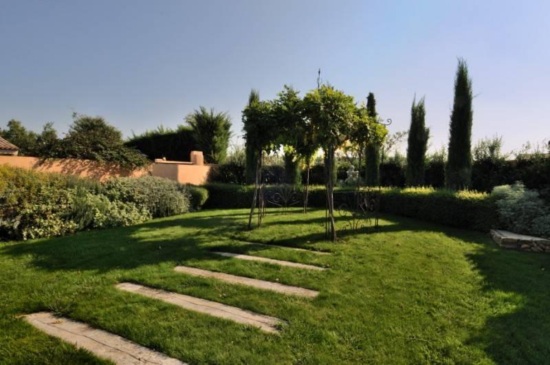 Cr ation de jardin italien lambesc 13 paysagiste for Jardin italien