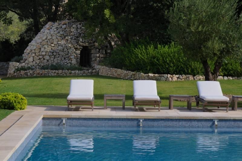 Cr ation d 39 un jardin proven al saint cannat 13 for Astral piscine st cannat