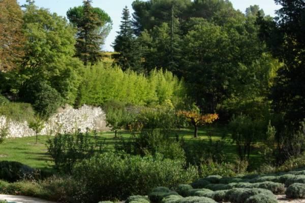 Aménager son jardin avec pierres provençales Rognes 13840 ...
